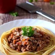 Spaghetti z sosem mięsno-pomidorowym (bolognese)