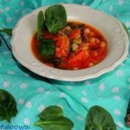 Zupa pomidorowa z fasolą, soczewicą i szpinakiem