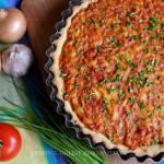 Tarta z mięsem mielonym i pomidorami