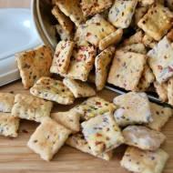 Cebulowe krakersy z siemieniem lnianym