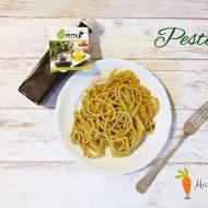Pesto z rukoli i suszonych pomidorów z nutą orzecha laskowego