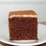 Ciasto kawowe z polewą z białej czekolady
