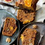 Ciasto marchewkowe z pomarańczami i orzechami włoskimi