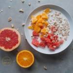 Owsianka z grejpfrutem, pomarańczą  i ekspandowanym orkiszem