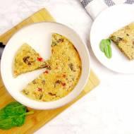 Omlet warzywny | Omlet warzywny z pieczarkami, papryką, pomidorkami koktajlowymi  i szpinakiem