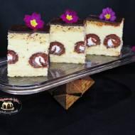 Sernik gotowany z mini rollsami