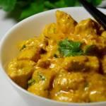 Kurczak w aksamitnym sosie curry