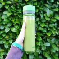Kremowy zielony koktajl.