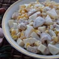 Sałatka z kurczakiem gyros z mocną nutą czosnku