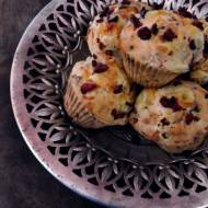 Wytrawne muffinki z oscypkiem i żurawiną