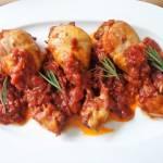 Kurczak w sosie winno-pomidorowym (Pollo al sugo di pomodoro e vino)