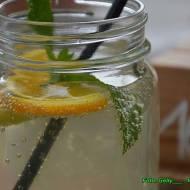 Lemoniada z pomarańcza.