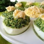 Cykl wielkanocny: Jajka faszerowane jarmużem (Uova ripiene con cavolo riccio)