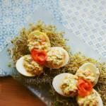 Jajka faszerowane wędzonym pstrągiem łososiowym
