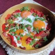 Jajka sadzone w potrawce