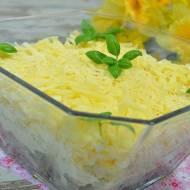 Sałatka warstwowa ze śledziem, kapustą pekińską, jajkami i żółtym serem + film