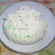 Wielkanoc 2017: Kremowy serek ziołowy z jogurtu greckiego lub gęstego jogutu naturalnego