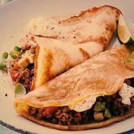 Tortille meksykańskie z mięsem mielonym i czerwoną fasolą