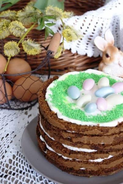 Wielkanocny tort marchewkowy