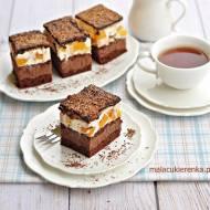 Ciasto czekoladowa fantazja z brzoskwiniową pianką