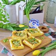 Francuskie tartaletki z porem i serem pleśniowym