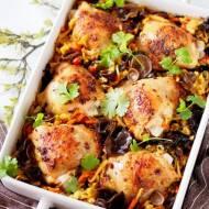 Zapiekanka ryżowa z kurczakiem, warzywami i uszakami bzowymi
