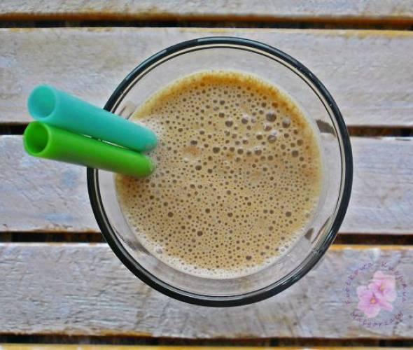 Shake kawowy z bananem, karobem i guaraną