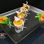 Roladki z rzodkwi japońskiej z łososiem wędzonym