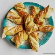 Drożdżówki z serem - bułki z serem