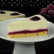 Sernik z białą czekoladą i frużeliną wiśniową