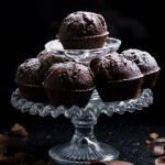 Czekoladowe babeczki z kawałkami czekolady na oleju rzepakowym