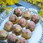 Galaretki jajka z duszonymi pieczarkami