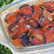 Bakłażany zapiekane w sosie pomidorowym z pulpecikami i mozzarellą