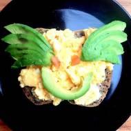 Jajecznica na parze z awokado, śniadanko dla malucha