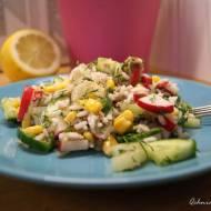 Sałatka z tuńczykiem, ryżem i rzodkiewką