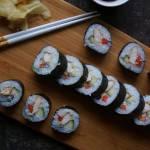 Domowe sushi, maki z kurczakiem teriyaki