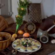 Jajka faszerowane musztardą i kaparami
