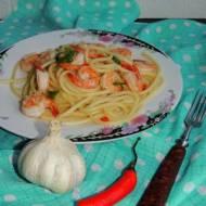 Spaghetti z czosnkiem i krewetkami