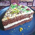 Ciasto czekoladowe z kremem serowo- pistacjowym