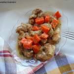 Karkówka w sosie marchewkowo-cukiniowym