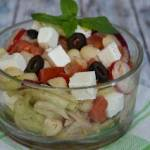 Sałatka grecka z makaronem