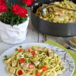 Tagliatelle z kurczakiem i warzywami w sosie śmietanowym prowansalskim