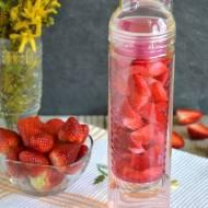 Woda smakowa truskawkowa, cytrynowa, ananasowa i inne - bidon/pojemnik Sagaform