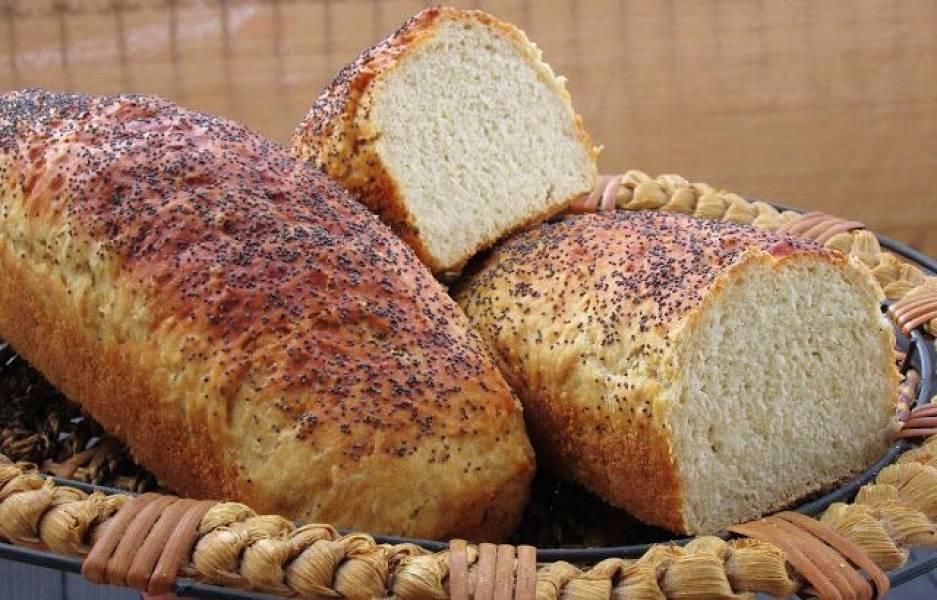 Pyszny chleb foremkowy.