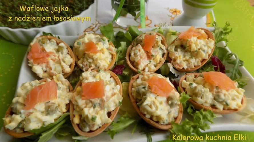 Waflowe jajka z nadzieniem łososiowym