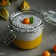 Kokosowy pudding chia z musem z mango