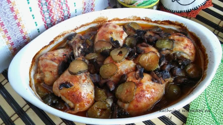 Kurczak po żydowsku. Kurczak z piekarnika w pikantnym sosie.