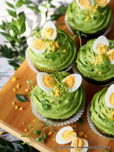 Zielone babeczki z zielonym kremem