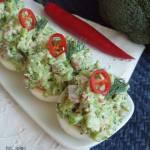 Jajka faszerowane brokułem i szynką
