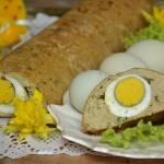 Pasztet drobiowy z jajkiem